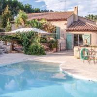 Three-Bedroom Holiday Home in Sollies Toucas