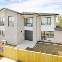 Brand New Townhouse 7 mins to Airport
