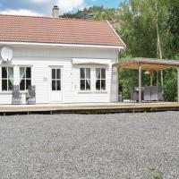 Holiday home Lyngdal Dragedalen