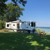 Lincoln Lakeside Retreat