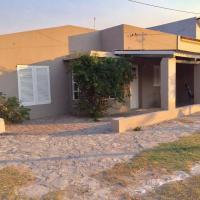 Casa Familiar Claromeco, a 4 cuadras de la playa