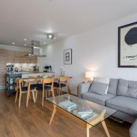 Modern 2 Bedroom Apartment with Panoramic Views