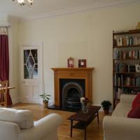 Large 4 Bedroom Apartment in Edinburgh