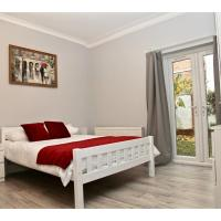 ☀Bright Studio with a Garden ☀ (Booking.com)