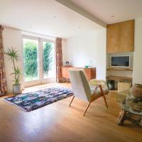 3 Bedroom House in De Beauvoir Town