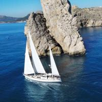 RESTLESS SPIRIT Sail & Stay. 26m sailing yacht with crew & chef on board