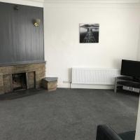 Tuxedo House - 9 Findon Hill