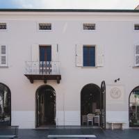Palazzo Degli Archi