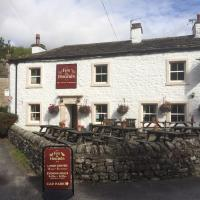 Fox and hounds starbotton