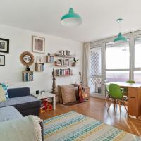 2 Bed Canal-side Flat in Hackney on Victoria Park