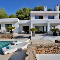 Cala Tarida Villa Sleeps 8 Pool WiFi