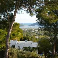 Playa d'en Bossa Villa Sleeps 8 Pool Air Con WiFi
