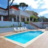 Tordera Villa Sleeps 9 Pool