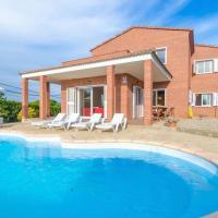 Tordera Villa Sleeps 9 Pool