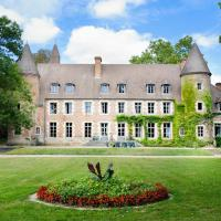 Paray-le-Fresil Chateau Sleeps 15 Pool WiFi