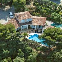 Aspiran Villa Sleeps 6 Pool