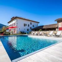 Ascain Villa Sleeps 12 Pool WiFi
