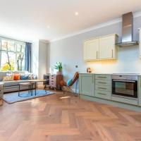2 Bedroom (Sleeps 6) Apartment in Roehampton, Close to Barnes and Putney