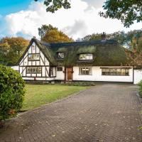 'Underlea Thatch'- Traditional English Cottage