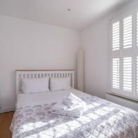 Light and airy studio, 5 mins from Queen's Park