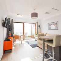Modern Ranelagh Apartment with Patio 300 metres from Luas