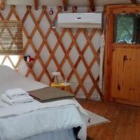 Cauce Yurtas Glamping bed&breakfast
