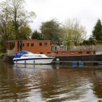 Unique Boutique Houseboat in Bishopthorpe, York