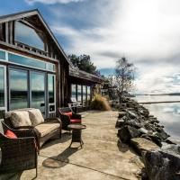 Rustic Watefront Cottage