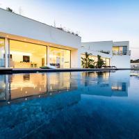Taormina Villa Sleeps 14 Pool Air Con WiFi