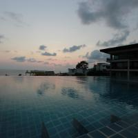 Best location & infinity pool by Unity condo