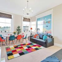Grand Seaview Apartment - Direct Sea views in Prestigious City Square - Sleeps 2 to 8 guests