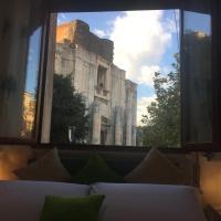 Balconi Su Piazza Dante