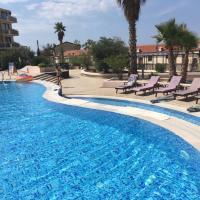 Luxury Pool Apartments near the sea
