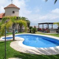 Motril Villa Sleeps 12 Pool Air Con WiFi
