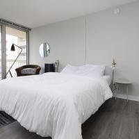 River North Luxury Suite No.2 by Zencity