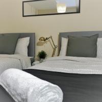 ''Swings Cottage'' Central Bedford House 3 Bedroom + Netflix