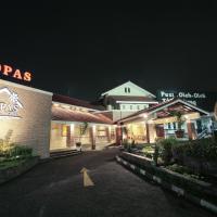 Capital O 253 Topas Galeria Hotel