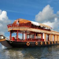 Kumarakom Castle Luxury Houseboats