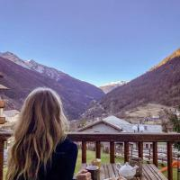 La Tour - Food, bed & mountain