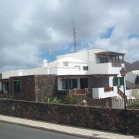 Conil Villa Sleeps 6 Pool WiFi