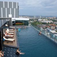 The base central pattaya by PT