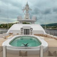 VIP Boat Singapore