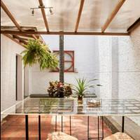 Patio Provenza House