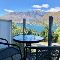 Stunning Lake Views Apartment