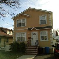 152 W Roselle Ave