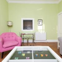 Bright and modern 2 bedroom flat in the centre