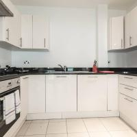 Super 2BR Flat with great links to Central London!