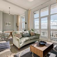 No.6 Beautifully Presented Seafront Apartment
