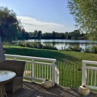 Limes Lodge, Lakeside Holiday Home