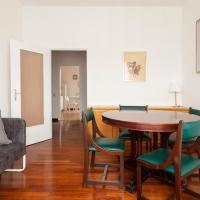 Via Primaticcio bright apartment